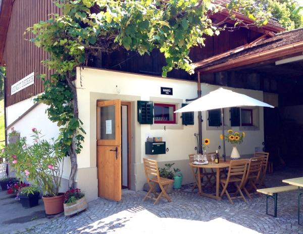 Weindegustation im Hofladen Weindugt Diederik Küsnacht Zürichsee